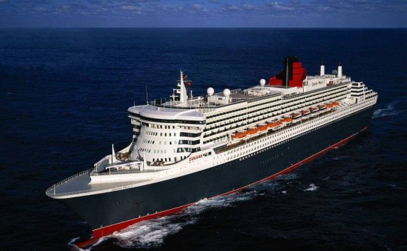 лайнер «Queen Mary 2» фото