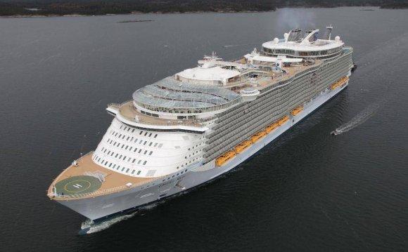 Самый большой в мире лайнер «